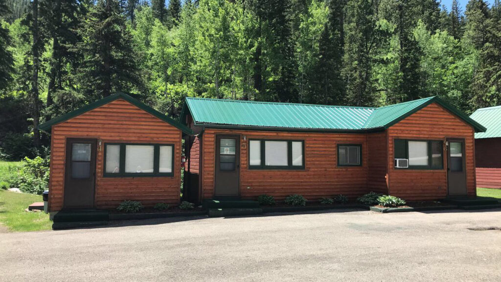 WHITETAIL CREEK RESORT CABINS